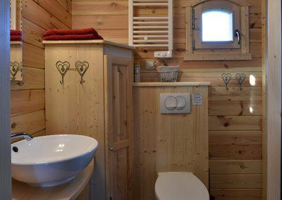 Salle de douche de la roulotte